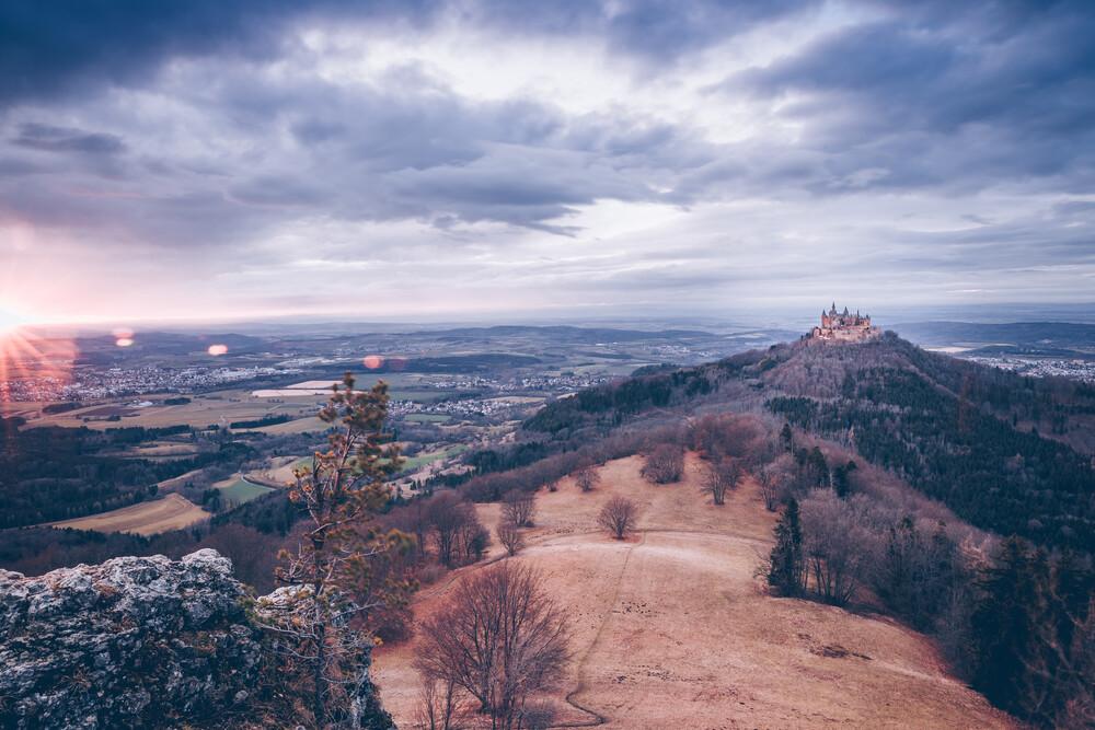 Auf dem Albtrauf: Burg Hohenzollern - fotokunst von Eva Stadler