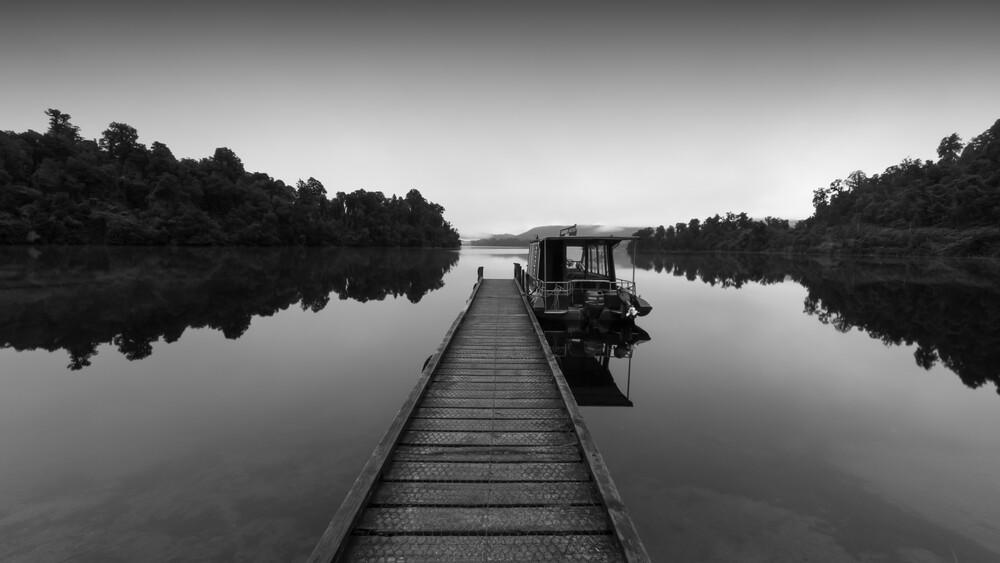 LAKE MAPOURIKA - fotokunst von Christian Janik