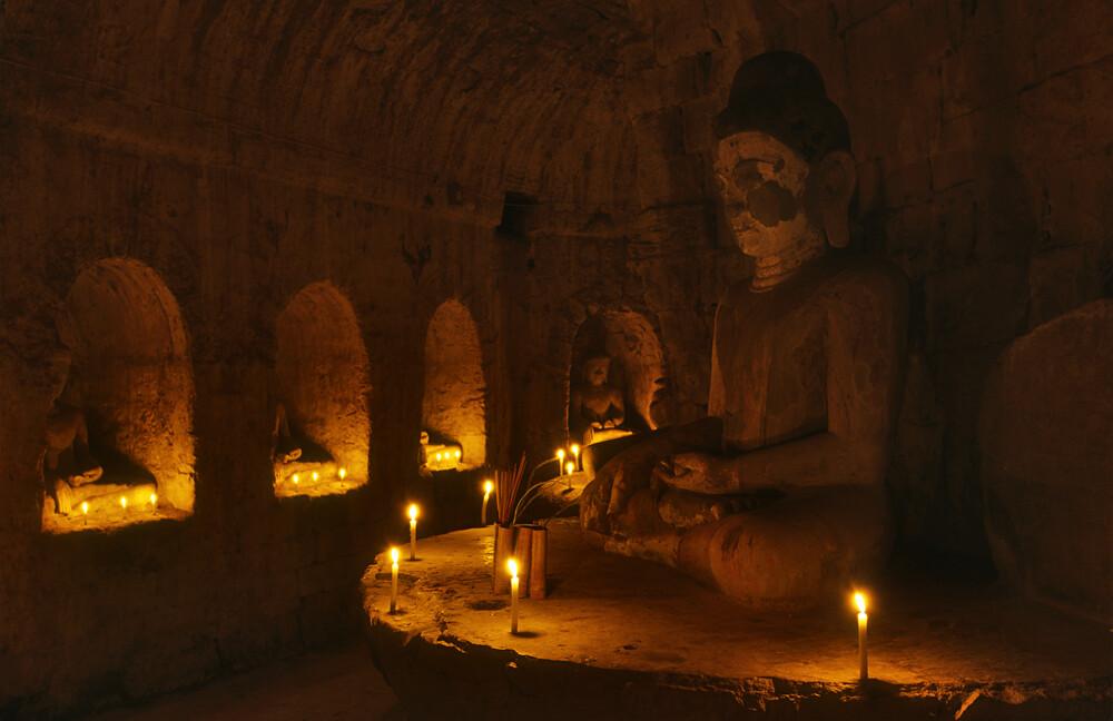 Im Innern des Tempels - fotokunst von Martin Seeliger