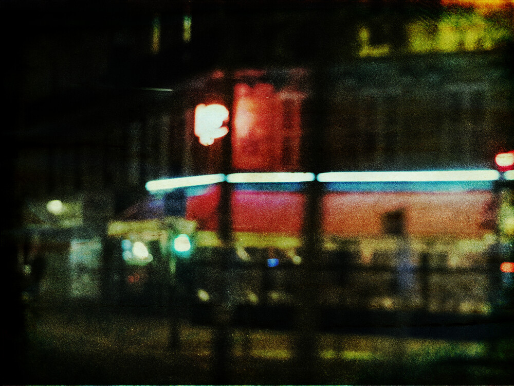 Night in Paris - fotokunst von Sophie Etchart