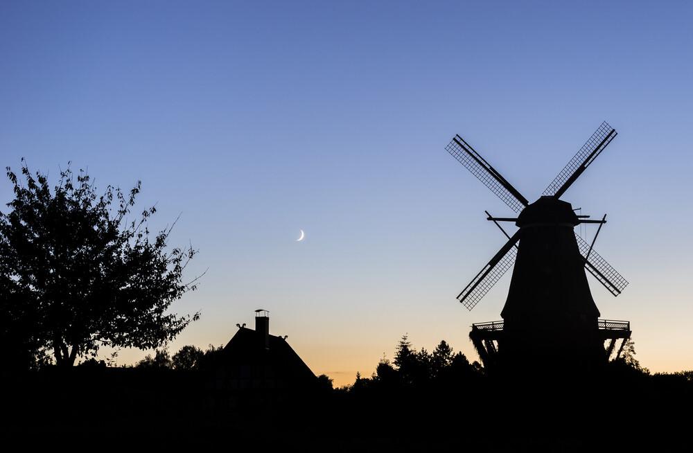 Mühlensilhouette - fotokunst von Patrice Von Collani