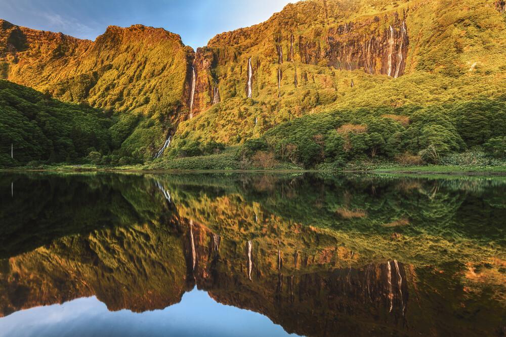 Wasserfall Panorama Flores - fotokunst von Jean Claude Castor