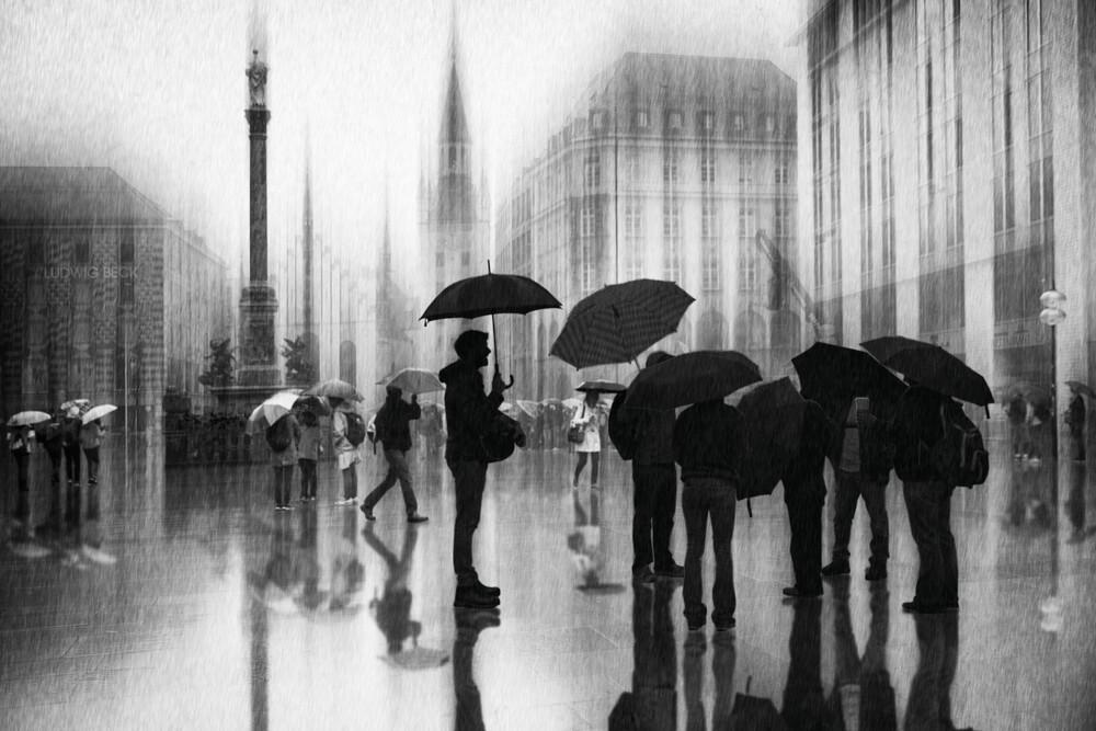Regen in München - fotokunst von Roswitha Schleicher-Schwarz