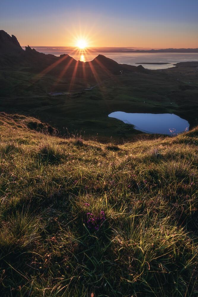 The Quiraing in den schottischen Highlands - fotokunst von Jean Claude Castor