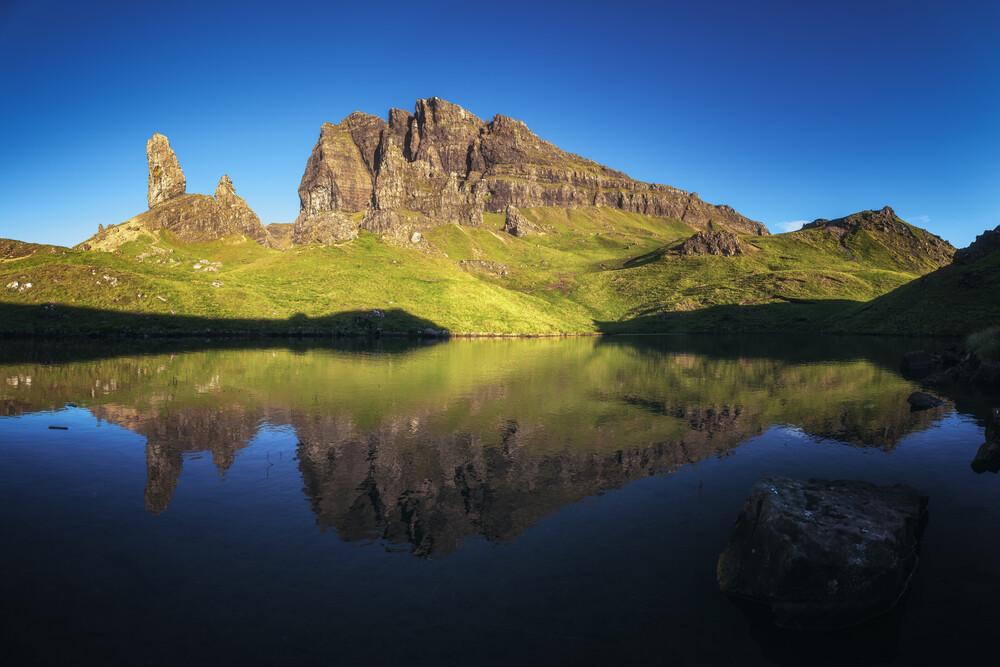 Schottland The Old Man Of Storr Panorama im Morgenlicht - fotokunst von Jean Claude Castor