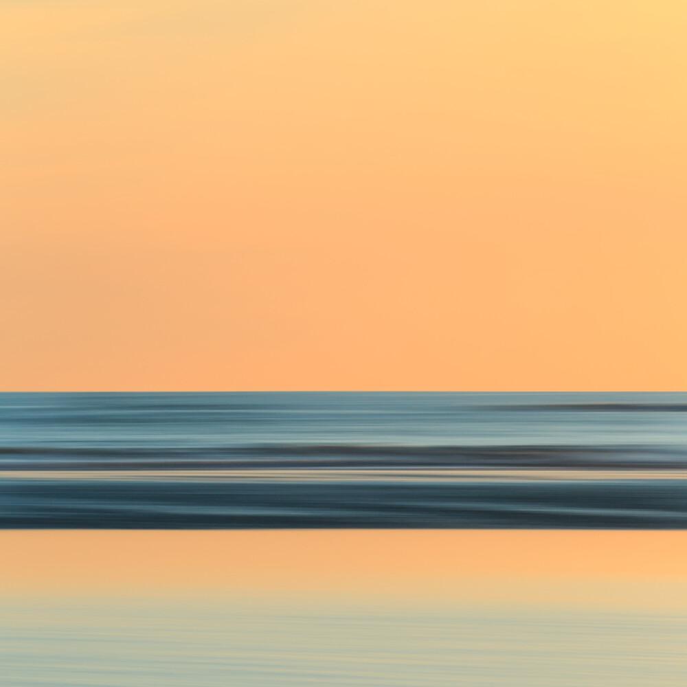 Sunrise at the North Sea - fotokunst von Holger Nimtz