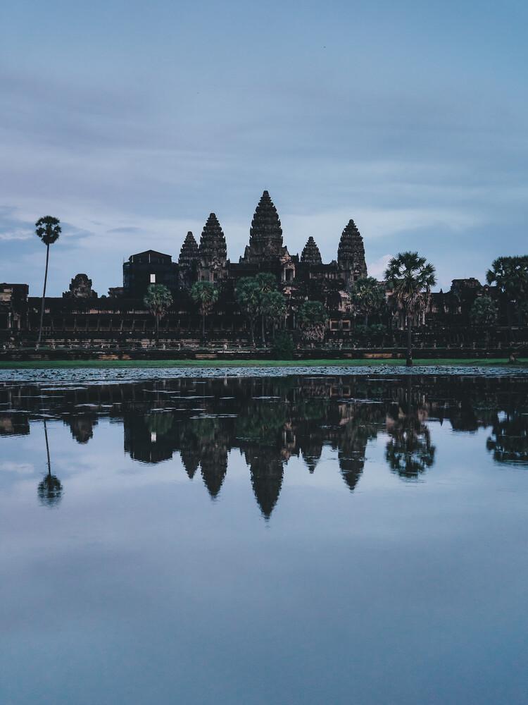 Angkor Wat zur blauen Stunde - fotokunst von Ueli Frischknecht