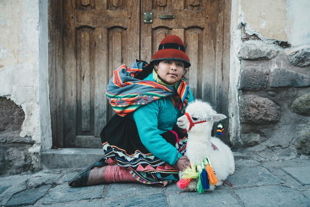 Peruanisches Mädchen - fotokunst von Ueli Frischknecht