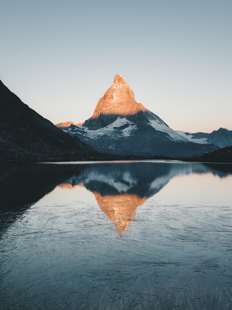 Sonnenaufgang am Matterhorn - fotokunst von Ueli Frischknecht