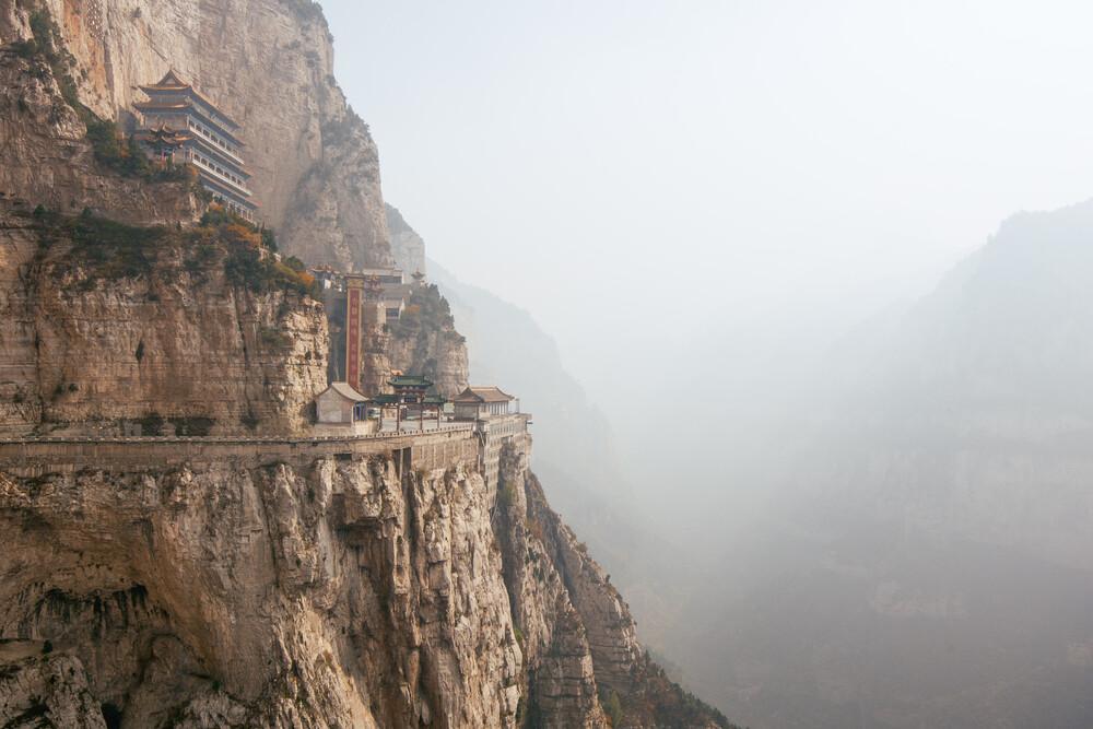 Mian Shan Gebirge // Shanxi Provinz, China - fotokunst von Manuel Gros