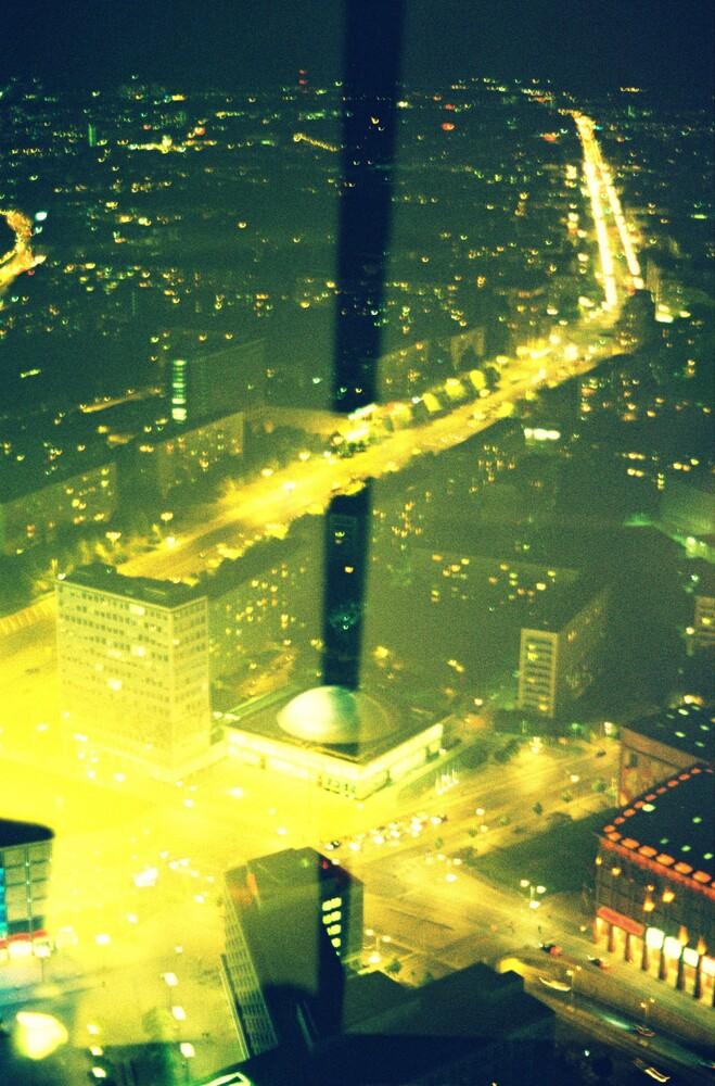 Berlin by night - fotokunst von Katharina Stöcker