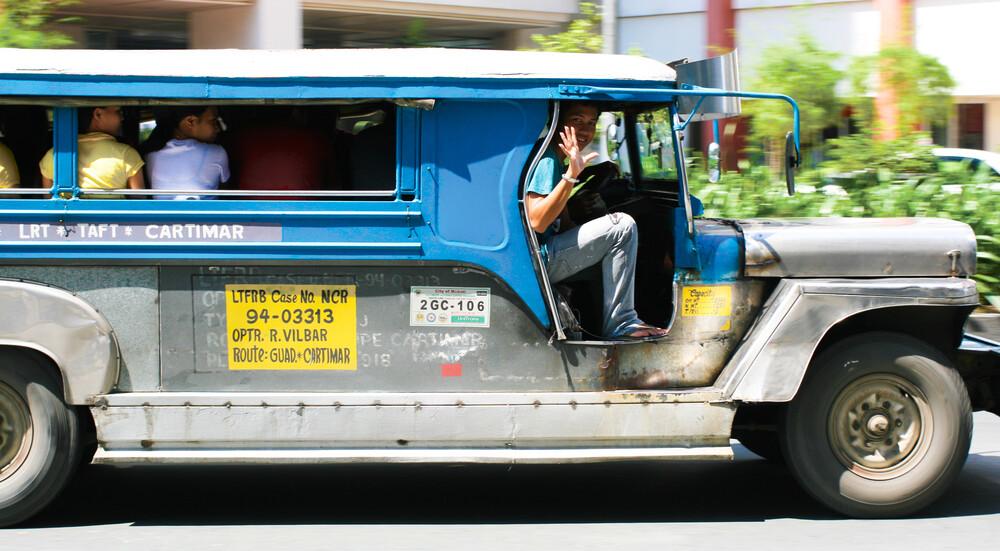 On a jeepney ride - fotokunst von Oona Kallanmaa