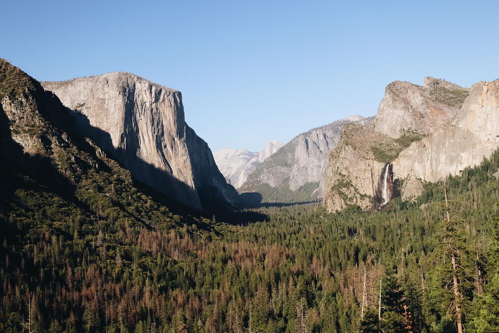 Yosemite Valley in Spring - fotokunst von Ari Stippa