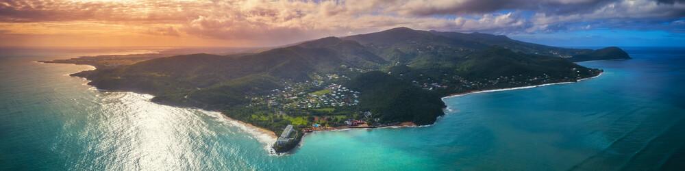 Guadeloupe Karibikinsel im Abendlicht als Panorama Aufnahme aus der Luft - fotokunst von Jean Claude Castor
