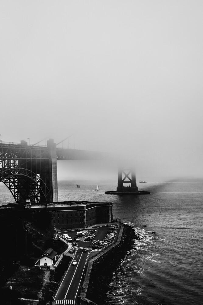 Golden Gate Bridge - Fineart photography by Sebastian Trägner