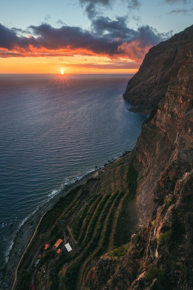 Madeira Cabo Girao zum Sonnenuntergang - fotokunst von Jean Claude Castor