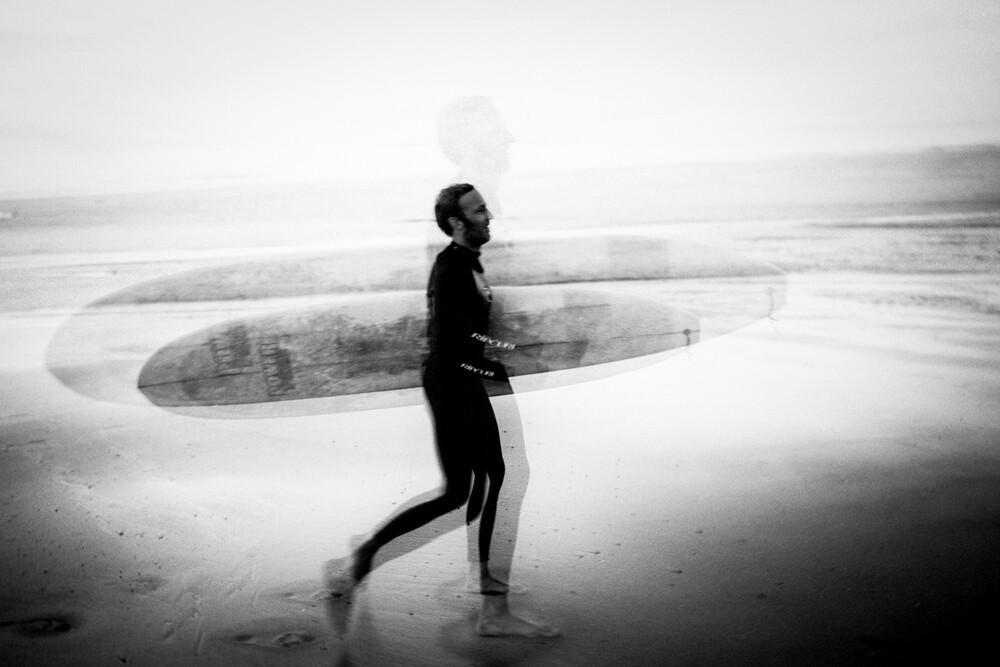 Surfer at Hossegor - Fineart photography by Stefan Sträter