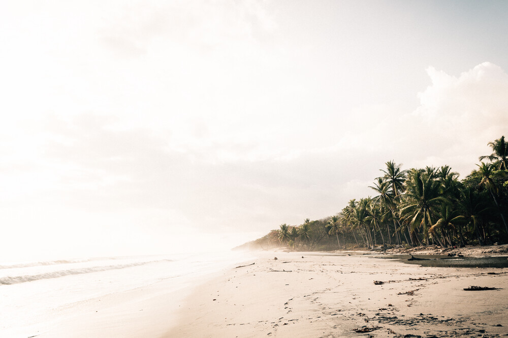 Lonesome Beach - fotokunst von Stefan Sträter