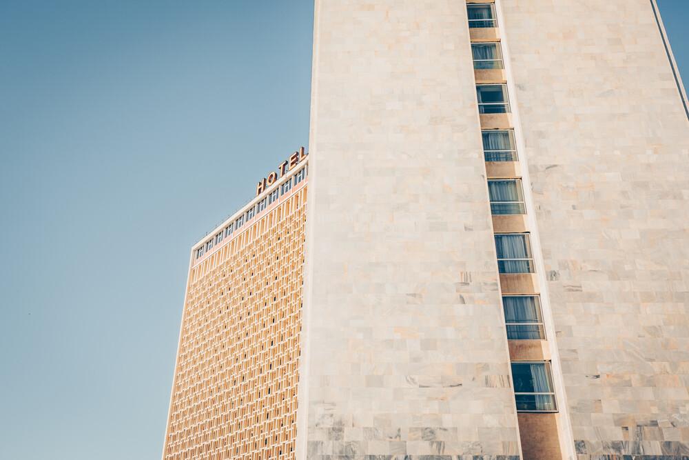 Sowjetische Architekturperle: Hotel Uzbekistan, Taschkent - fotokunst von Eva Stadler