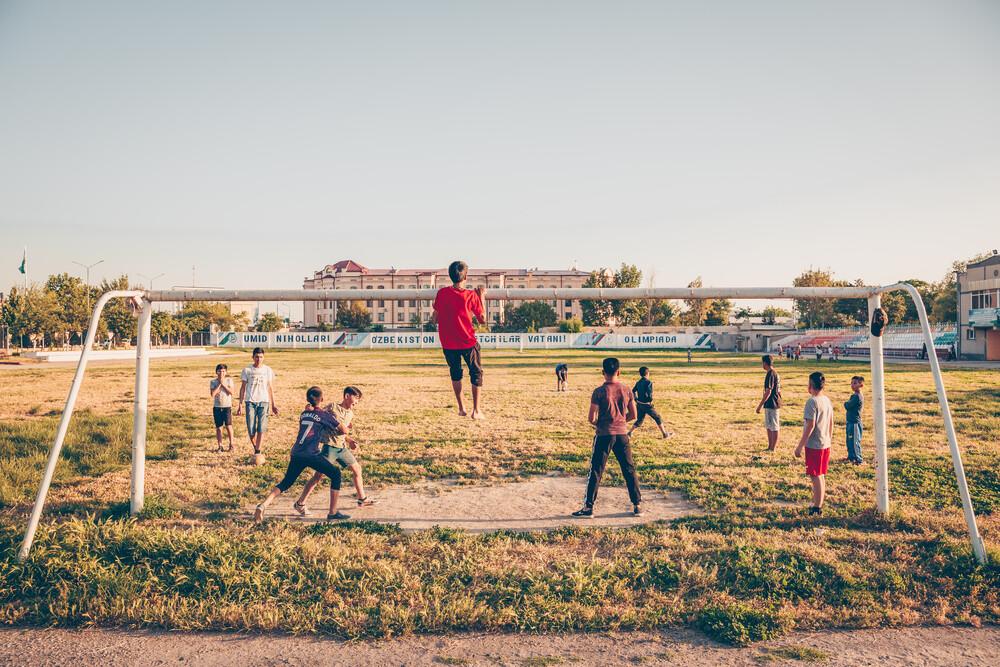 Yoshlik Stadion, Samarkand, Usbekistan - fotokunst von Eva Stadler