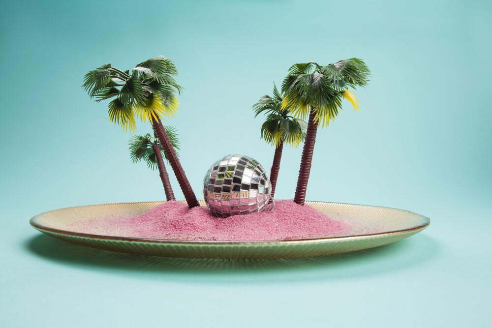 Tropical plate - fotokunst von Loulou von Glup