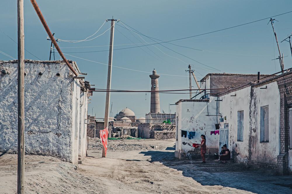 Chiwa, außerhalb der Stadtmauer - fotokunst von Eva Stadler