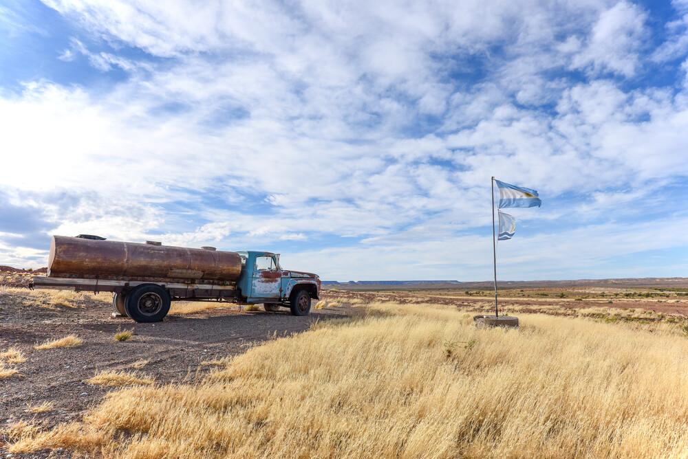Mitten in der Pampa - fotokunst von Thomas Heinze
