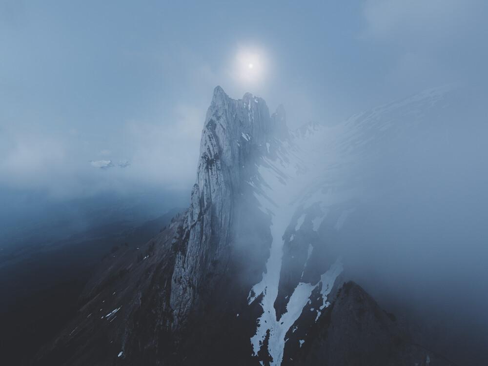 Mysterious Morning - fotokunst von Silvan Schlegel