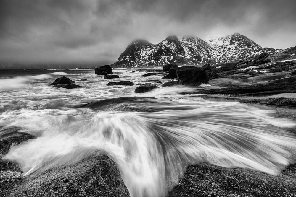 Meereswelle, Lofoten - fotokunst von Mikolaj Gospodarek