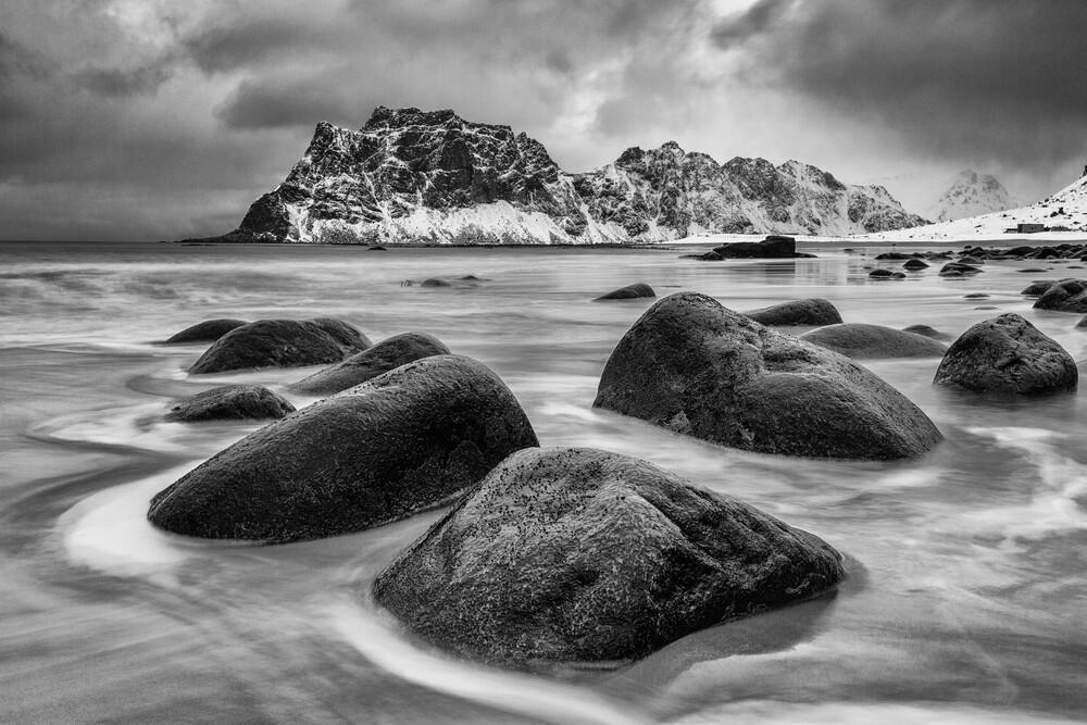 Uttakleiv, Lofoten - fotokunst von Mikolaj Gospodarek