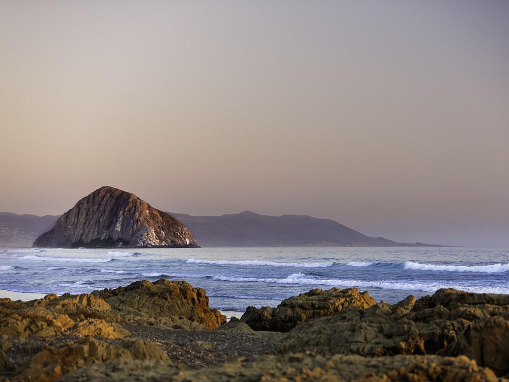 Morro Bay - fotokunst von Vera Mladenovic
