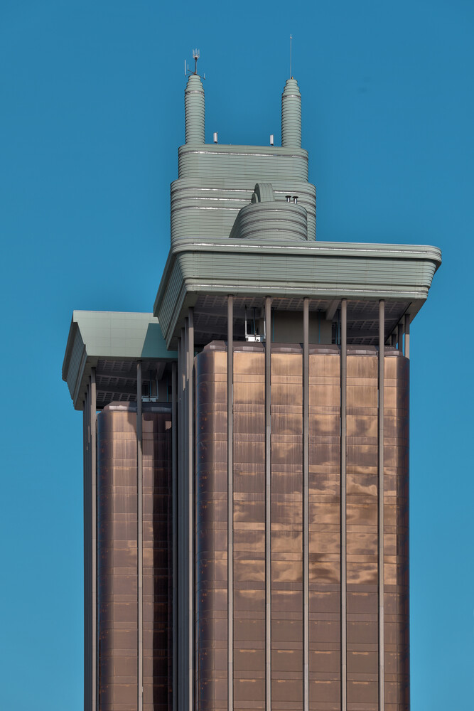 Torre Colon - fotokunst von Michael Belhadi
