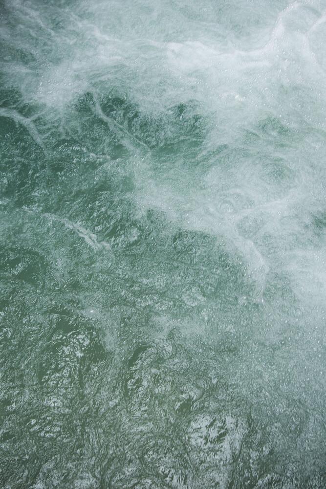 Glacier Water - fotokunst von Studio Na.hili