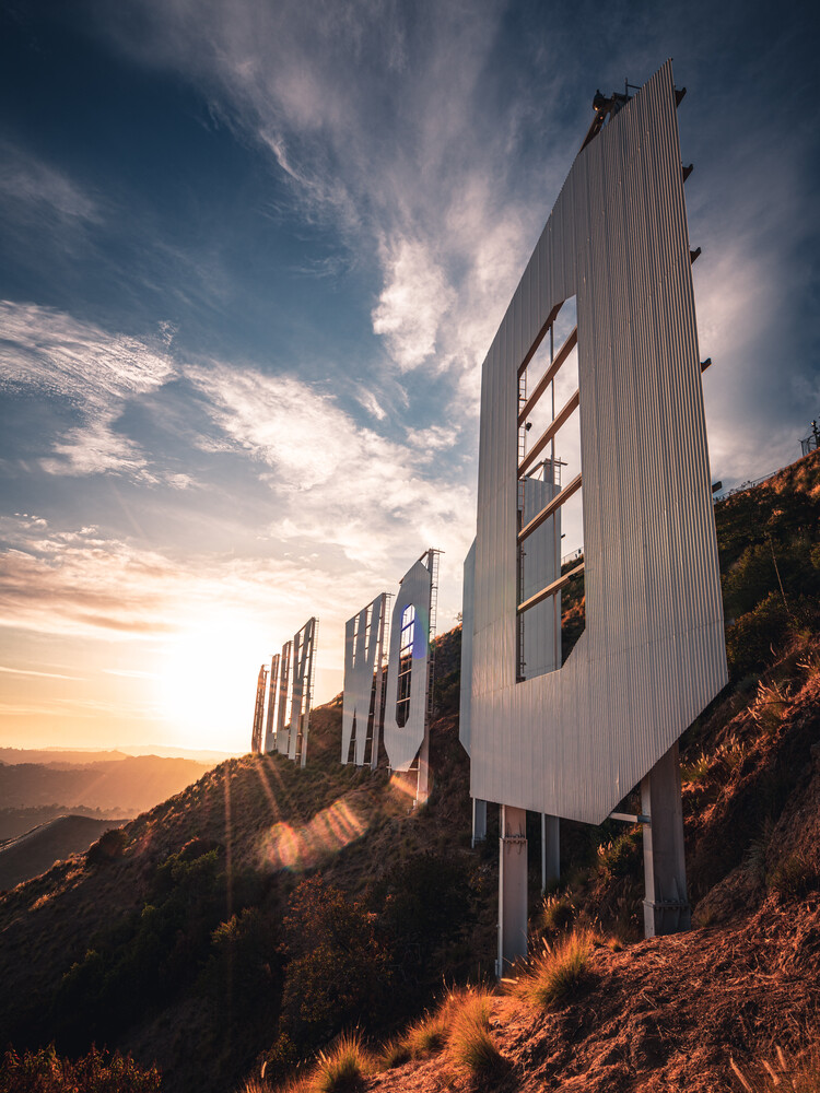 hollywoods bleeding - Fineart photography by Dimitri Luft