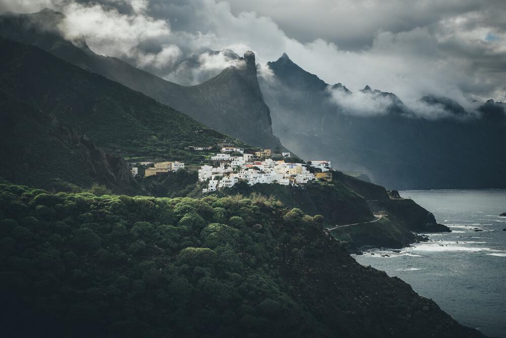 Die raue Küste Teneriffas - fotokunst von Christoph Schlein