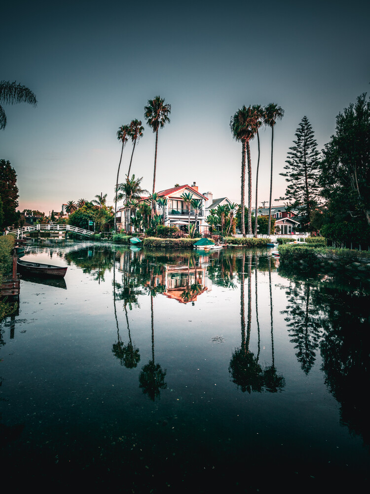 Venice Canals - fotokunst von Dimitri Luft