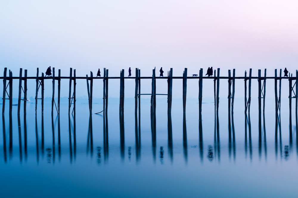 U Bein Brücke in Myanmar - fotokunst von Jan Becke