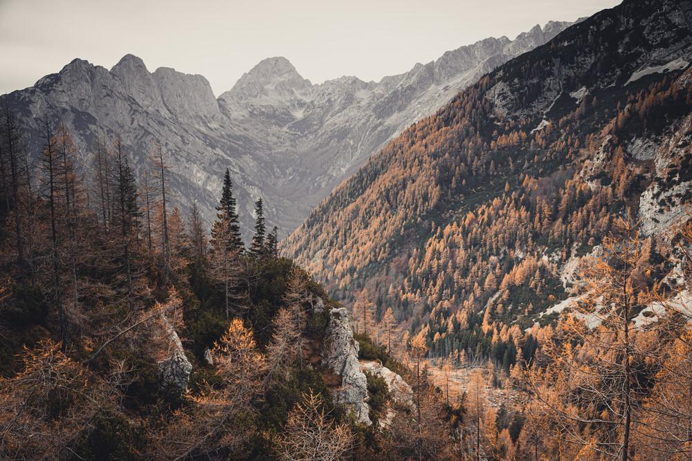 Let's away ... Herbst am Vršičpass in Slowenien - fotokunst von Eva Stadler