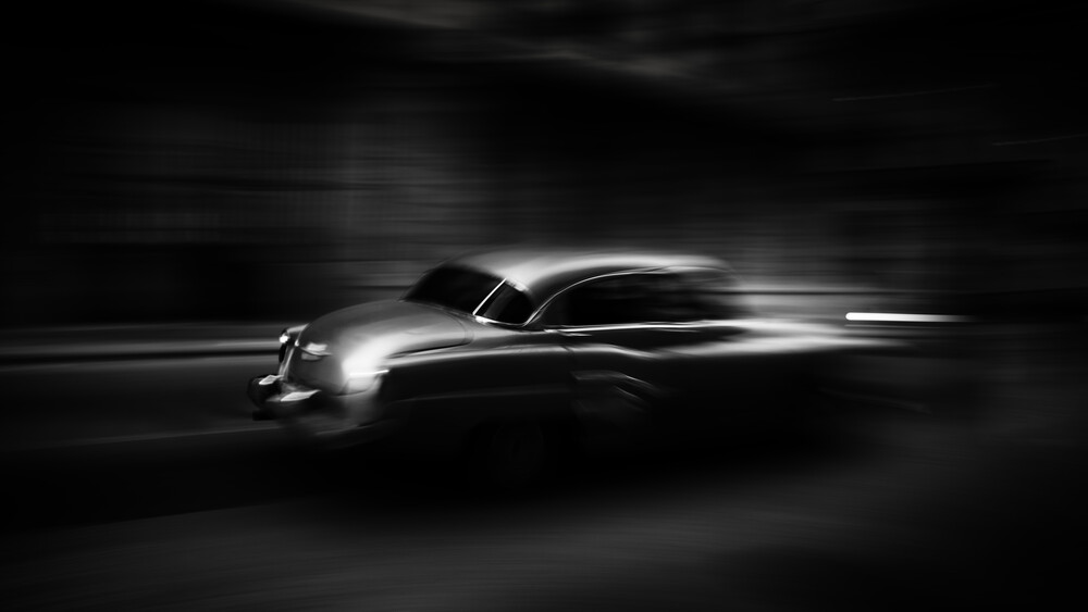 Cruising Havana nights - Fineart photography by Tillmann Konrad
