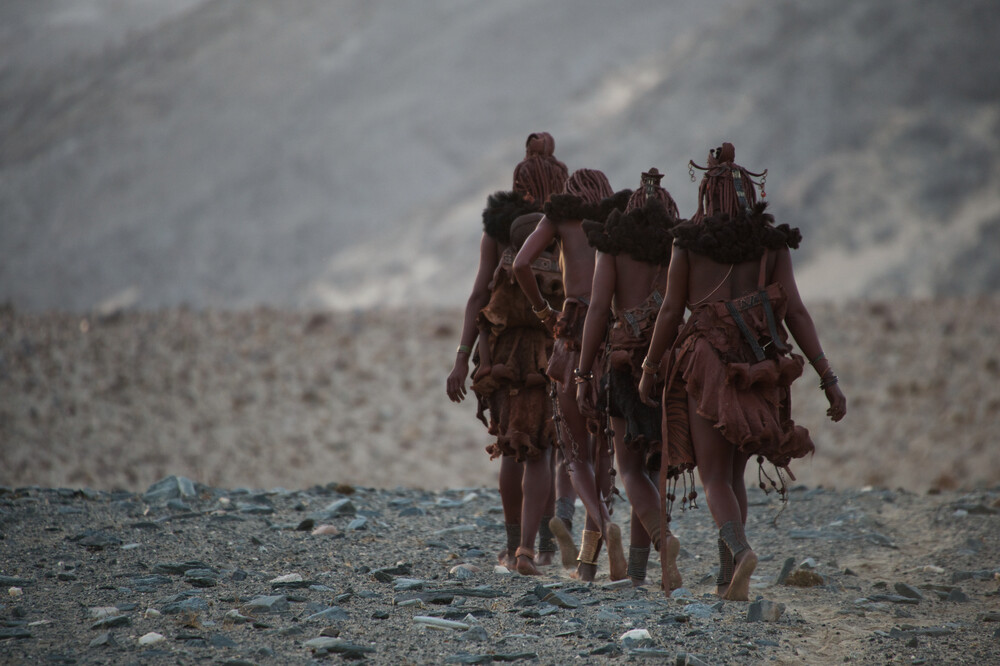 Himba women - Fineart photography by Nicole Cambré