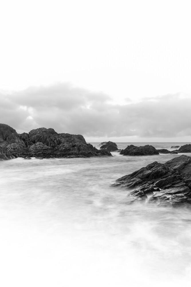 Around the Rocks B&W - fotokunst von Sebastian Worm