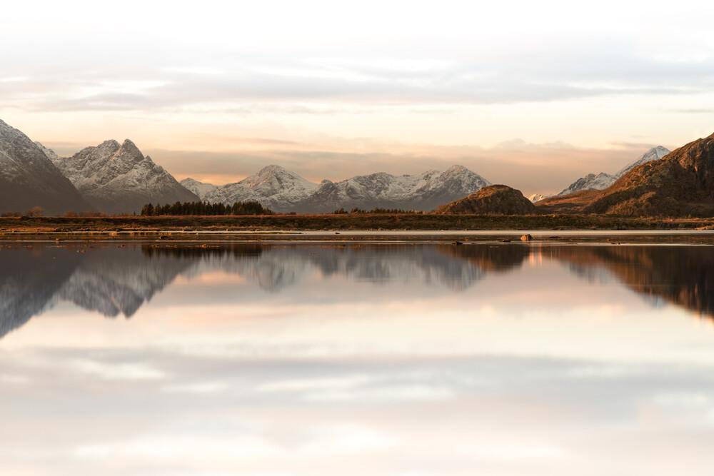 Calm Sunrise - fotokunst von Sebastian Worm