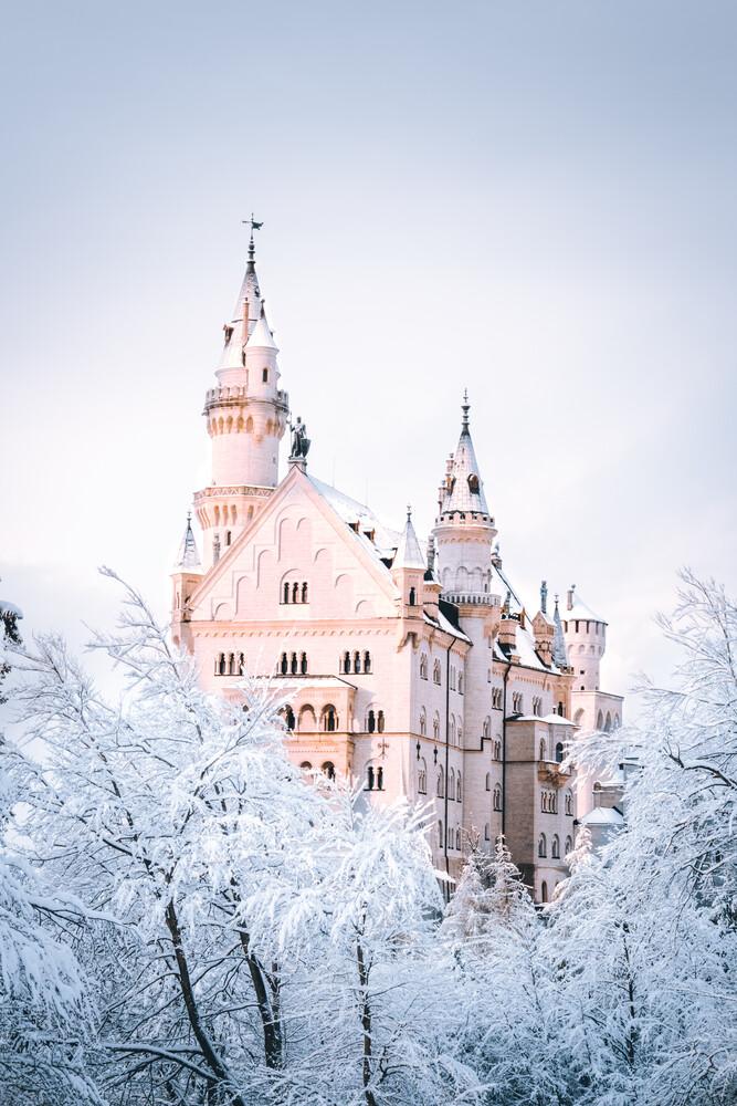 Neuschwanstein under the snow - fotokunst von Nathaël Labat