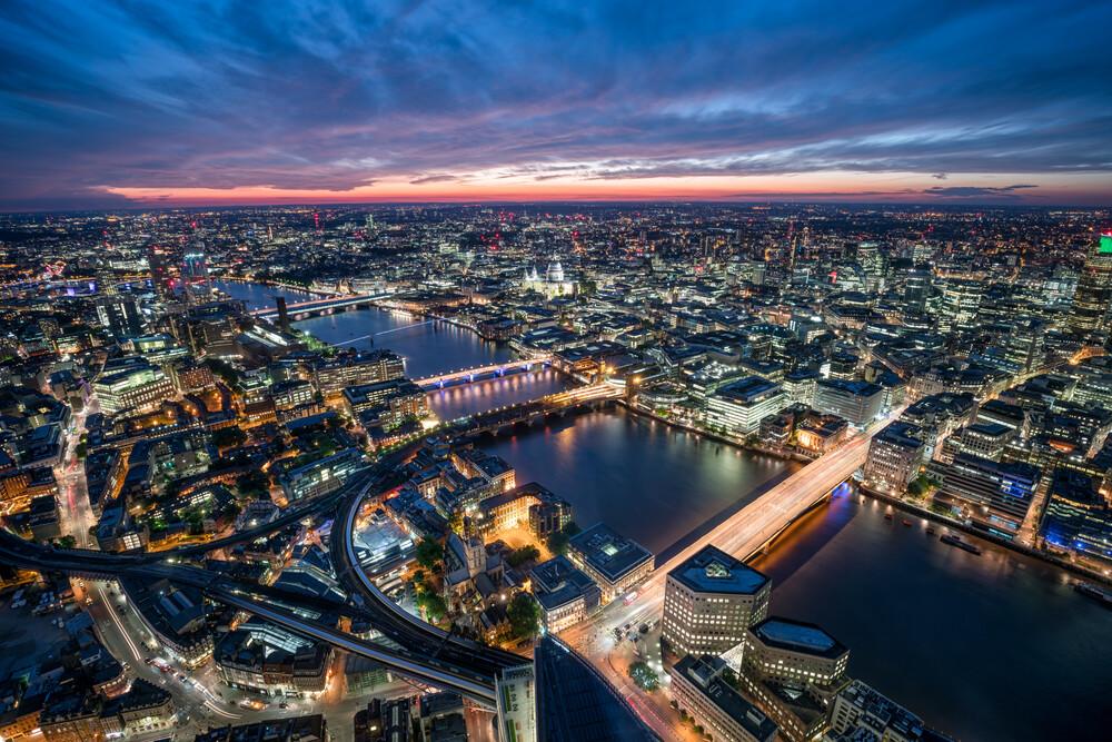 London Stadtansicht bei Nacht - fotokunst von Jan Becke