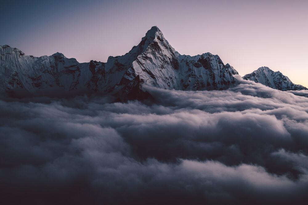 Ama Dablam im Himalaya in Nepal (2) - fotokunst von Roman Königshofer