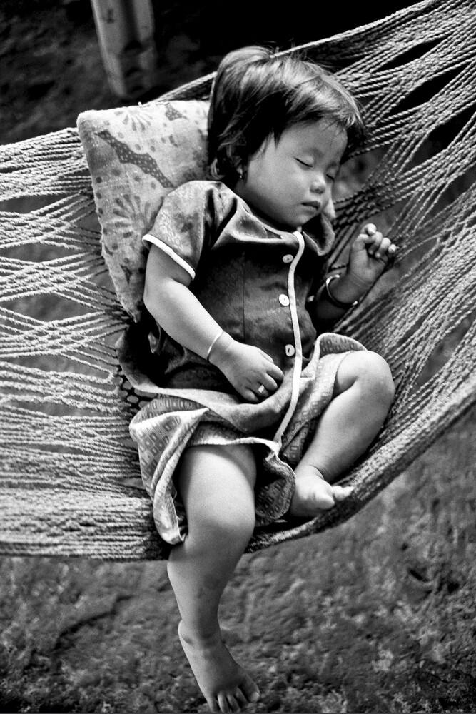 Innocent Child im Mekong Delta - fotokunst von Silva Wischeropp