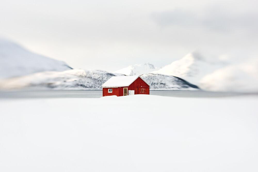 The red hut - fotokunst von Victoria Knobloch