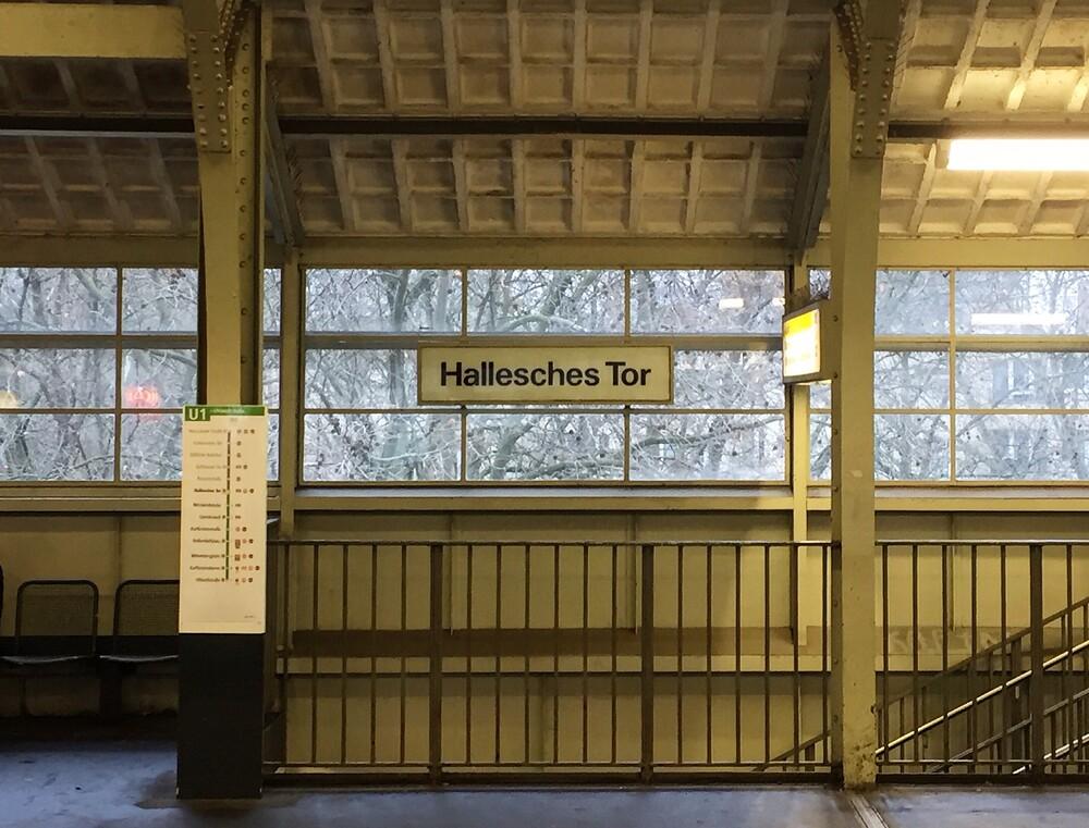 U-Bahnhof Hallesches Tor - fotokunst von Claudio Galamini