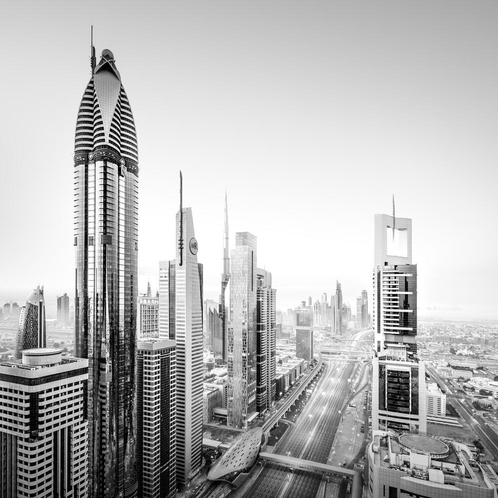 Sheikh Zayed Road   Dubai - fotokunst von Ronny Behnert