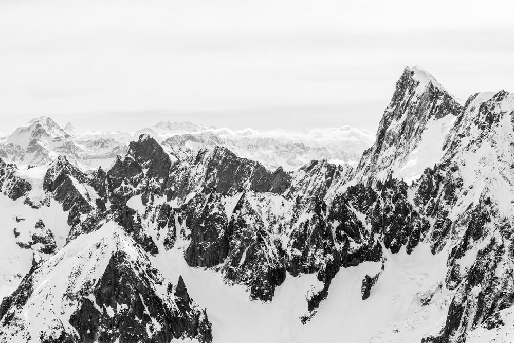 Grandes Jorasses - fotokunst von Julian Bückers